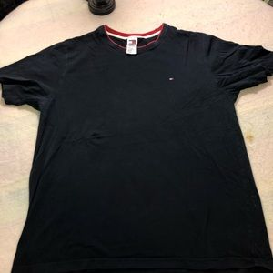 Tommy Hilfiger XL T-shirt in excellent condition